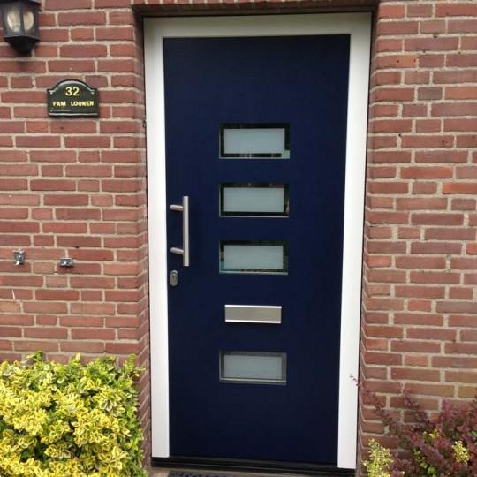 https://www.leonpeterskozijnen.nl/wp-content/uploads/2015/04/Voordeur-Loon-op-Zand-540x540.jpg