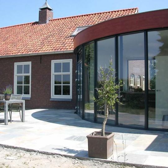 https://www.leonpeterskozijnen.nl/wp-content/uploads/2015/05/Aluminium-Kozijnen-1-540x540.jpg