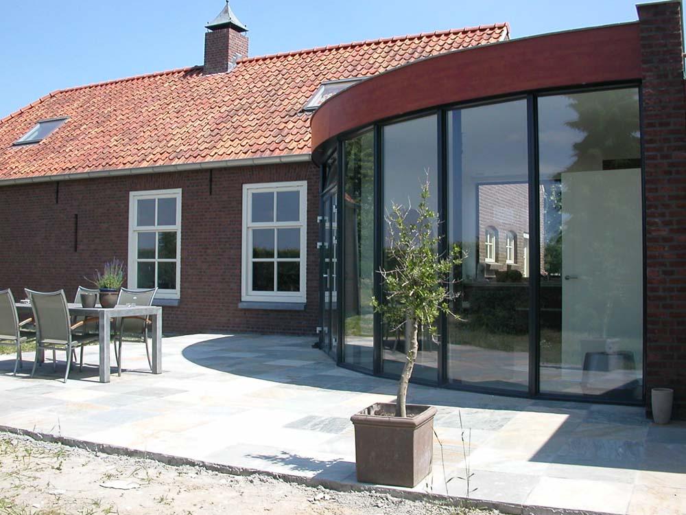 https://www.leonpeterskozijnen.nl/wp-content/uploads/2015/05/Aluminium-Kozijnen-1.jpg