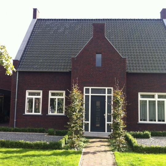 https://www.leonpeterskozijnen.nl/wp-content/uploads/2015/05/Reusel-540x540.jpg