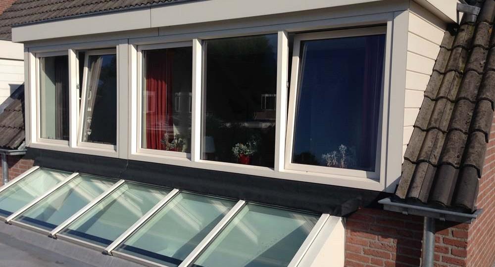 https://www.leonpeterskozijnen.nl/wp-content/uploads/2015/05/lichtstraat-dakkapel-1000x540.jpg