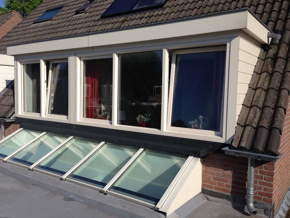 https://www.leonpeterskozijnen.nl/wp-content/uploads/2015/05/lichtstraat-dakkapel.jpg